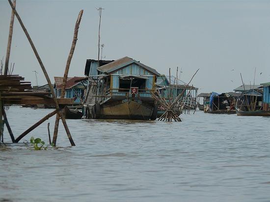 Floating village on Tonle Sap lake 4