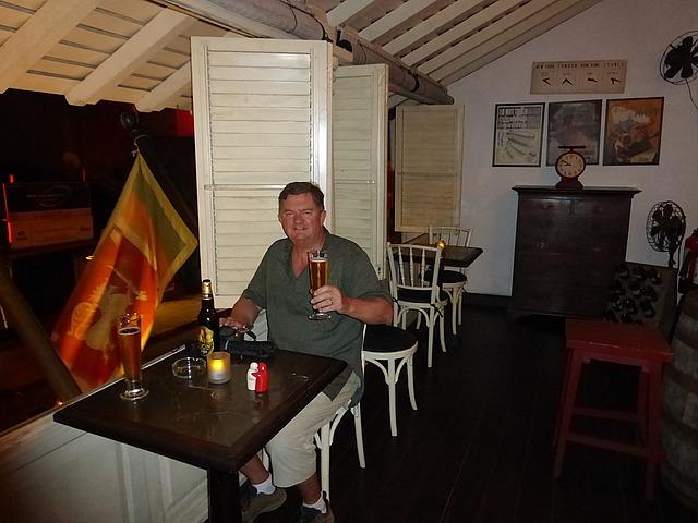 Royal Bar and Hotel - Cheers!