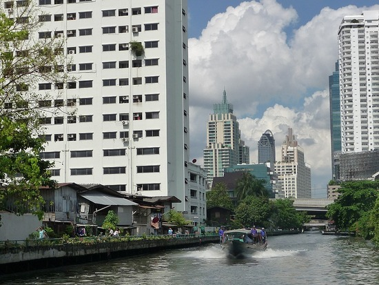 Central Bangkok by boat 2
