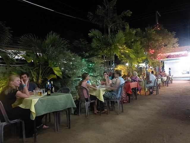 Negombo restaurant - all tourists!