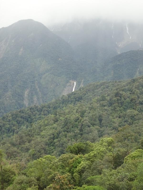 KK - Sandakan bus trip - Passing Mt Kinabalu 2
