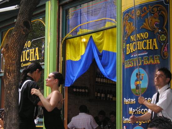 BA - La Boca - Bar - free tango show 2