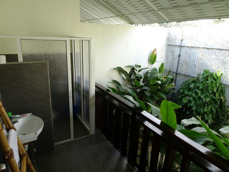 Our cabin - 'exterior' bathroom