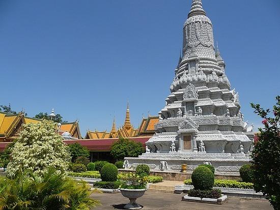 Palace and Silver Pagoda 7