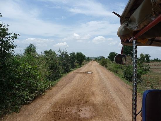 Tuk-tuk outing - On the road 1