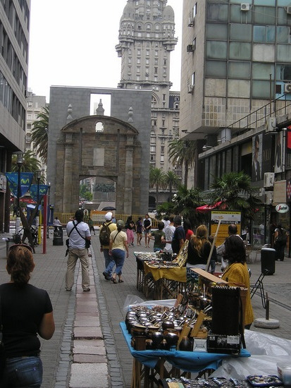 """Downtown Montevideo - """"Mate"""" kit stand etc"""