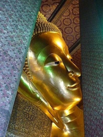 Wat Po - Reclining Buddha 2