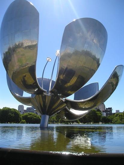 Recoleta District - Giant flower statue 2