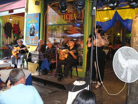 BA - La Boca - Bar - free tango show 1