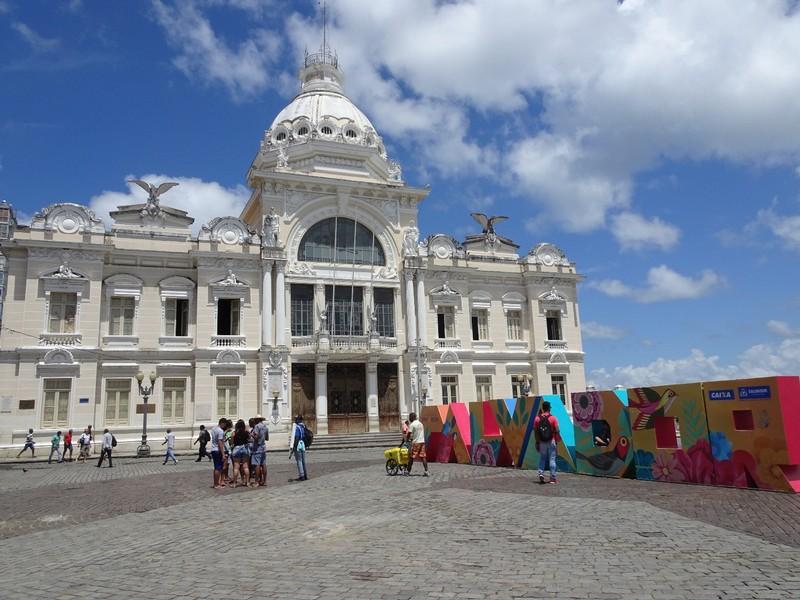 Square at top of Elavador