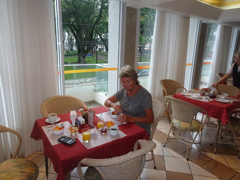 Aladdin Hotel Curitiba - breakfast