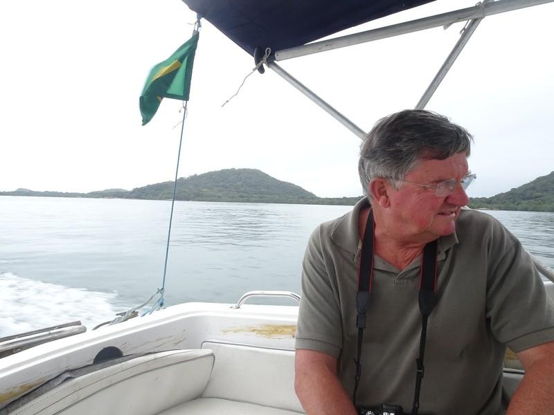 Small boat for Brasilia to Encandantes trip