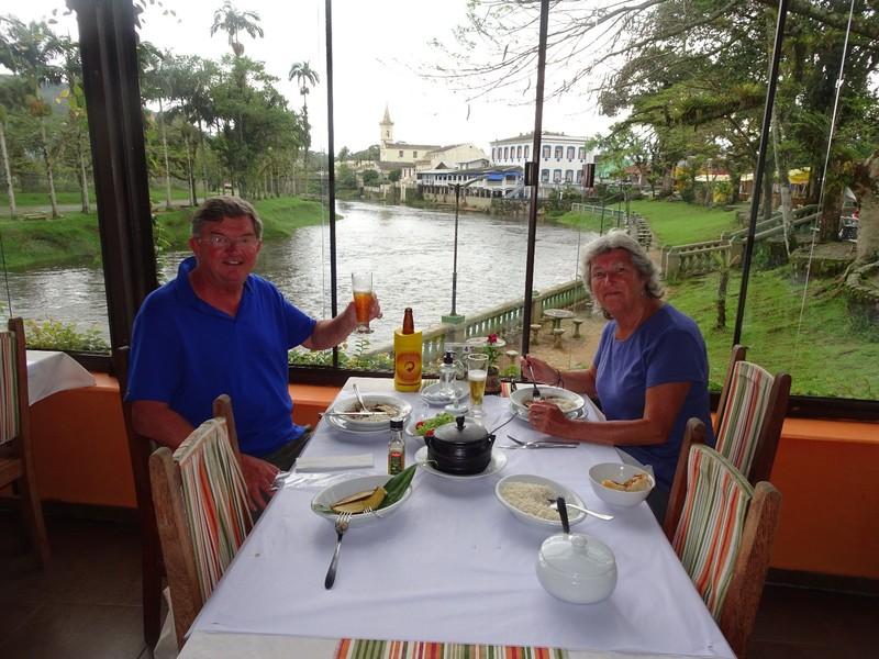 Barreado lunch at Casa do Rio