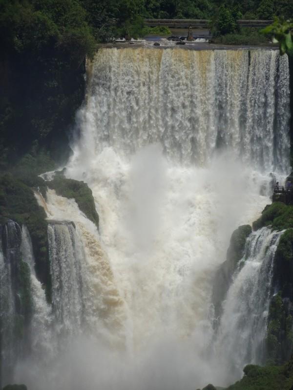Iguacu Falls - San Martin waterfall -zoom