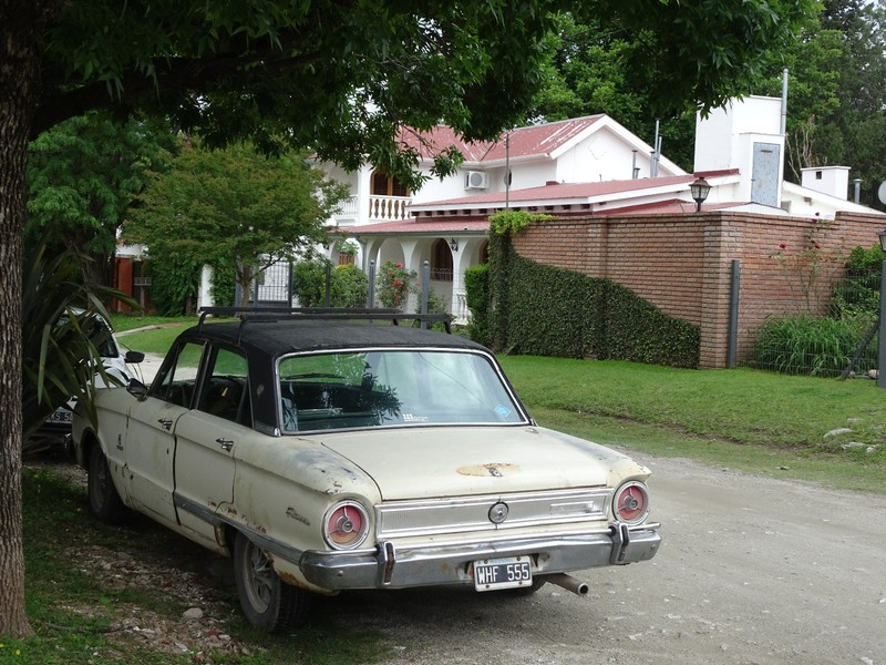 Old car in residential area - Alta Gracia
