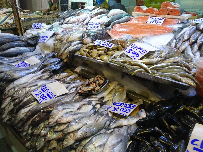 Mercado Central - lots of fish!