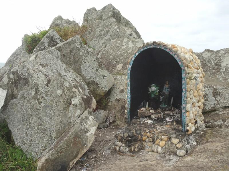 Headland at Armacao - Small shrine of virgin Mary