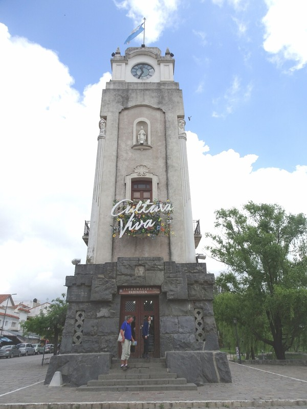 Alta Gracia - Clock tower and tourist office