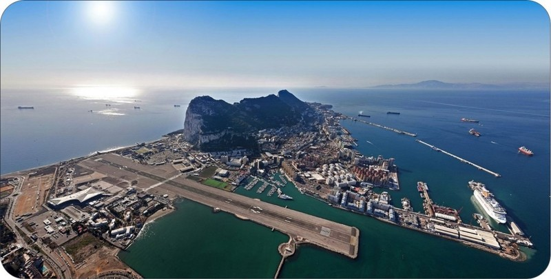 large_Gibilterra-aeroporto.jpg