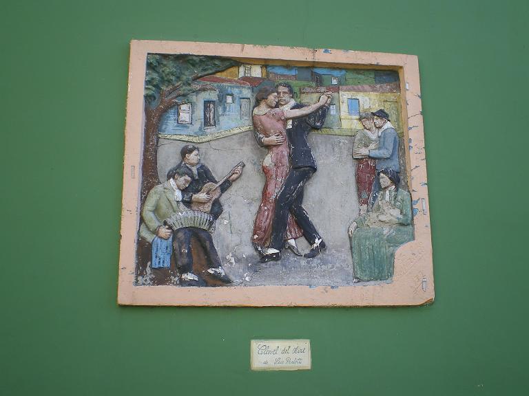 LB tango wall