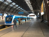 Train to Tigre on the platform