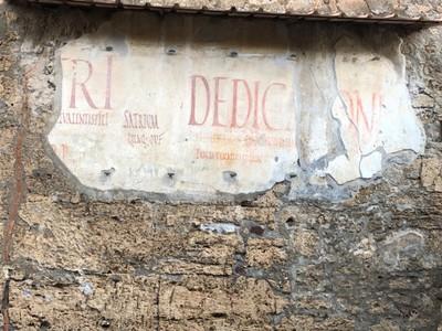 Gladiator fight advertising in Latin in Pompeii