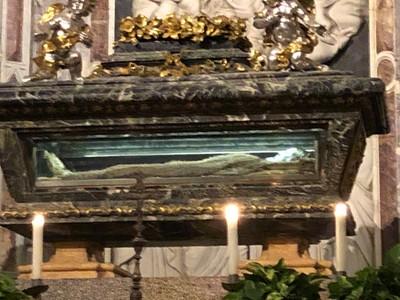 Mummified remains of Saint Rainerius in Pisa Duomo
