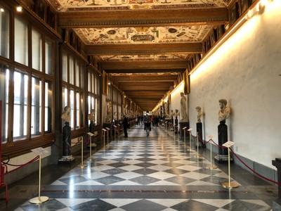 A typical corridor of the Uffizi