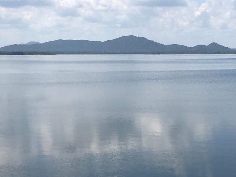 Minneriya Lake