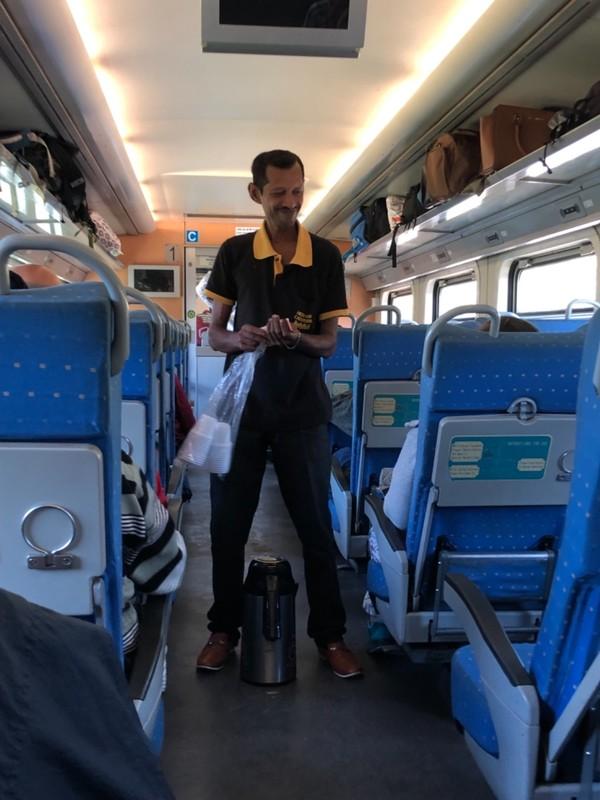 Tea seller on Udarata Manike train
