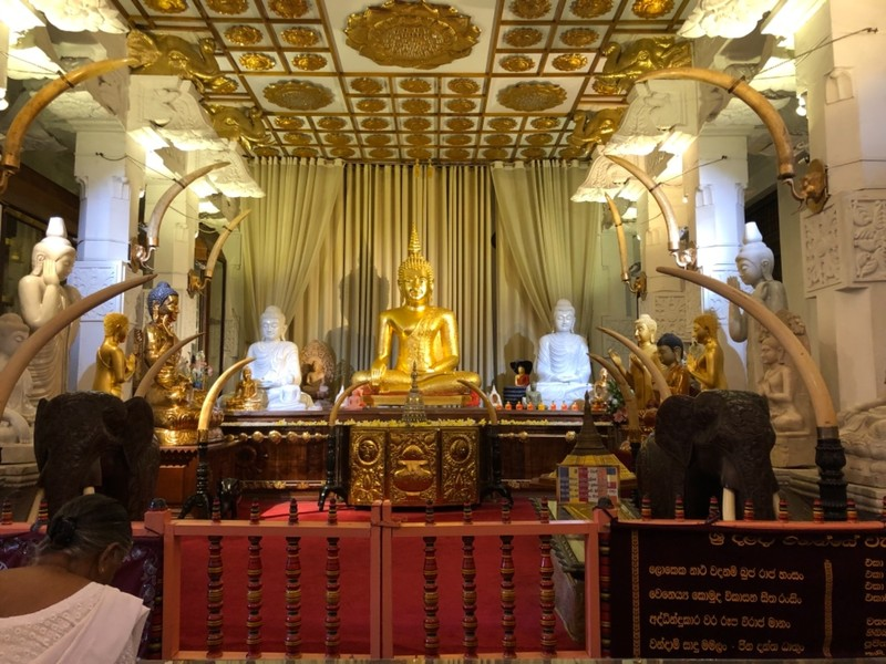 Buddha statue in the Temple of the Sacred Tooth Relic