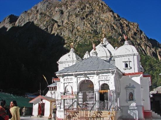 large_nearby-gangotri-temple.jpg