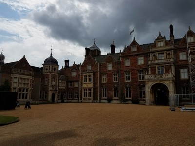 Rear_entrance_Sandringham.jpg