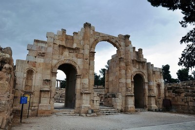 Jordan_ancient_city_of_Jerash.jpg