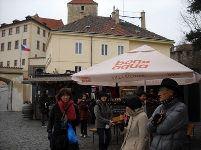 Prague tourists enjoying beverages
