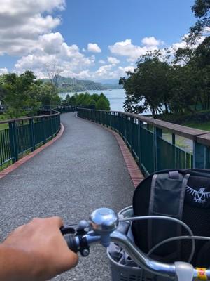 Cycling around the lake