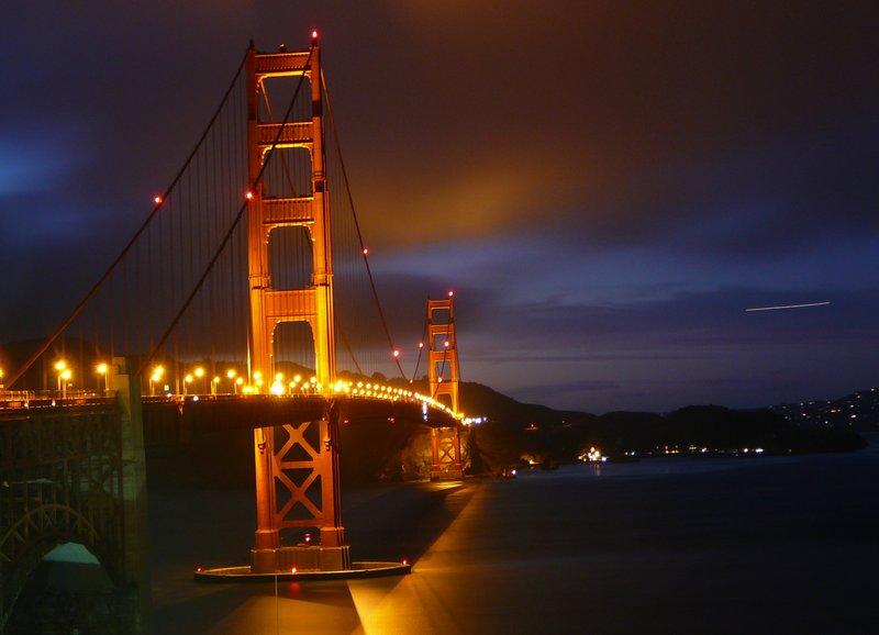 Golden Gate, golden glow