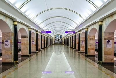 large_960px-Metro_SPB_Line5_Admiralteyskaya_Platform.jpg