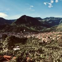 Montagnes et vue