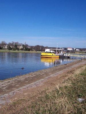 Elbe_Ferry.jpg
