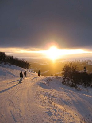 Are-Sunrise-on-slope.jpg