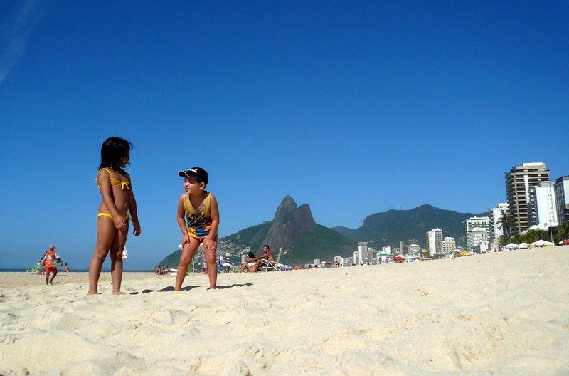 beach date - kids