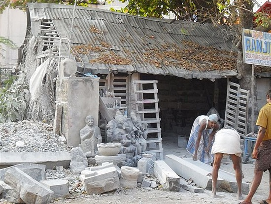 Local stonemasons, Mamallapuran