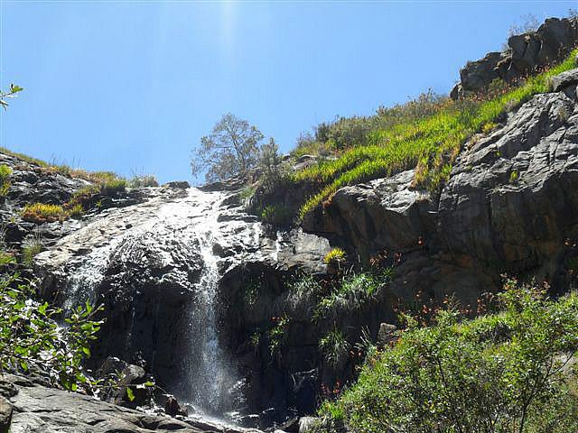 Trek to Lesmurdie Falls