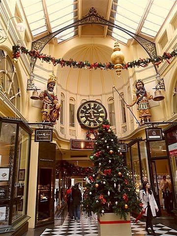 Melbourne Arcade Christmas Shopping