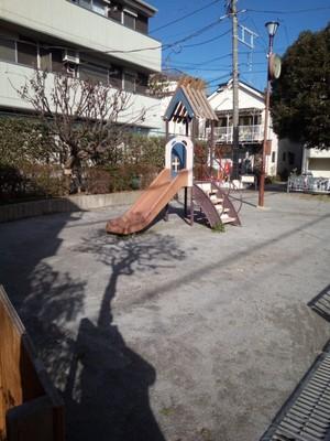 Tiny depressing playground I walked past on the way to Nishi Rokugo Park