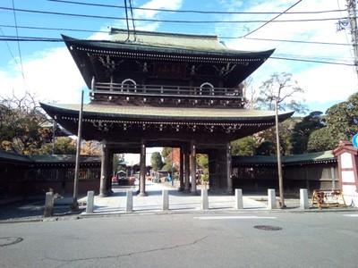 Front gate of Kawasaki Daishi